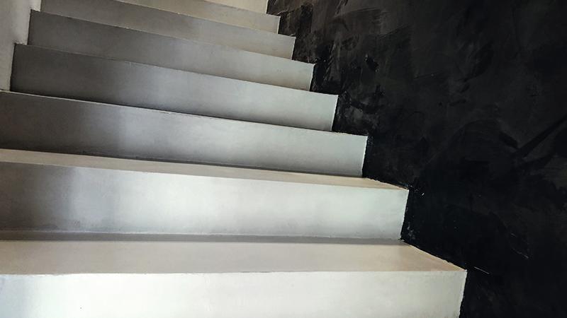 Rinnovo scale in resina - Il Colore